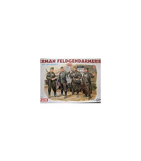 1:35 Dragon Military Model Kit German Feldgenarmerie 6061