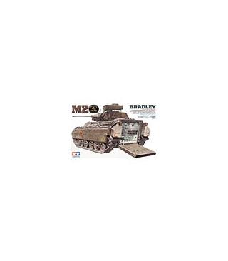 1:35 Tamiya Model Kit M2 Bradley 35132